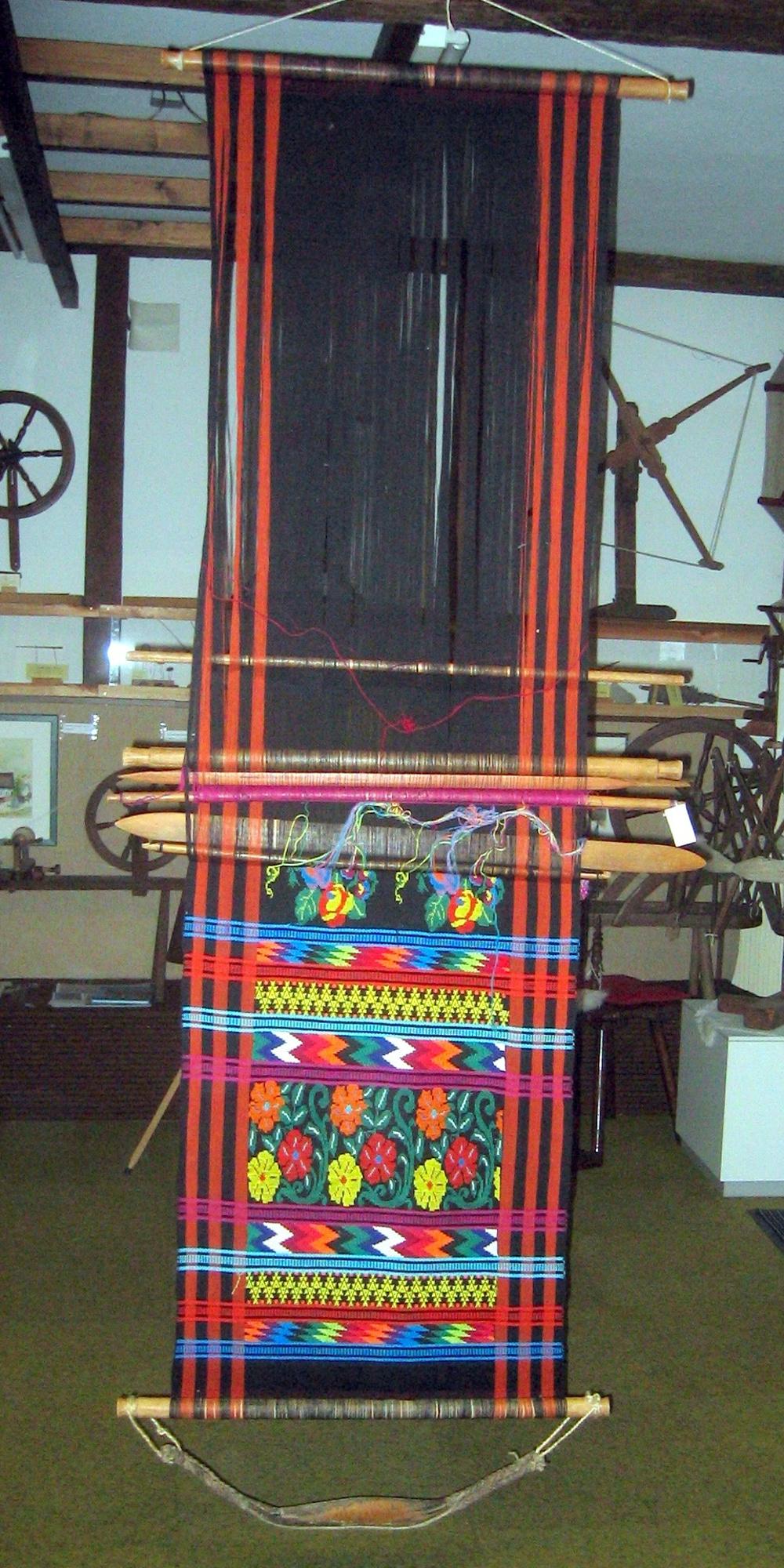 Hüftwebgerät aus Guatemala